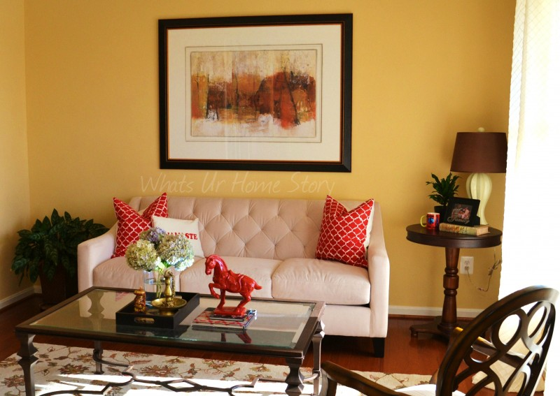 Whats Ur Home Story: Living room with red accents